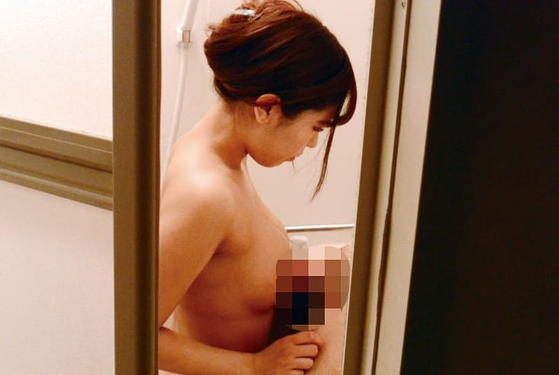【逢沢るるエロ画像】前向きおっぱいな褐色ボディお姉さん・逢沢るる!