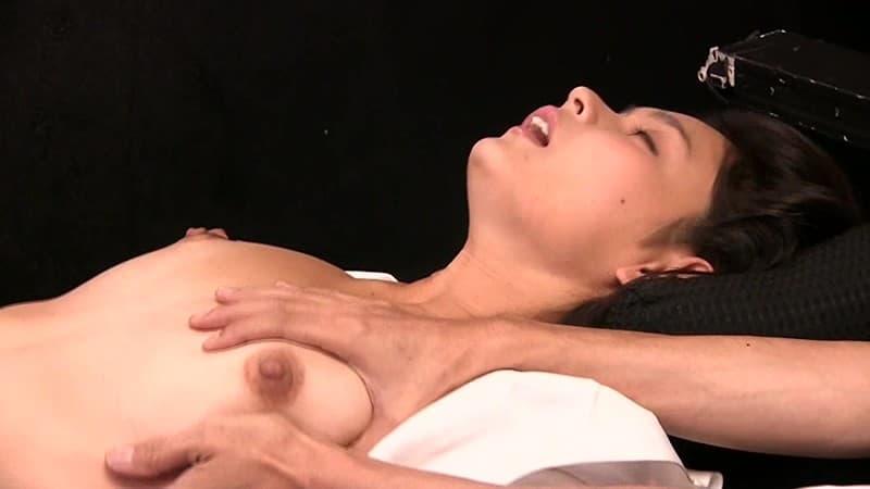 【黒瀬萌衣エロ画像】敏感で抜群のスタイルを誇る美形美女・黒瀬萌衣!
