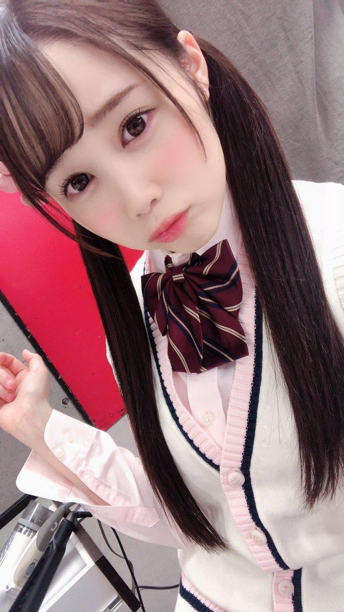 【白川ゆずエロ画像】小柄で若い期待の新人美少女・白川ゆず!