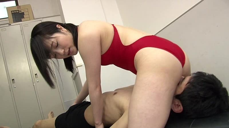 【美尻エロ画像】男の頭部を上から制圧!痴女の定番な顔面騎乗
