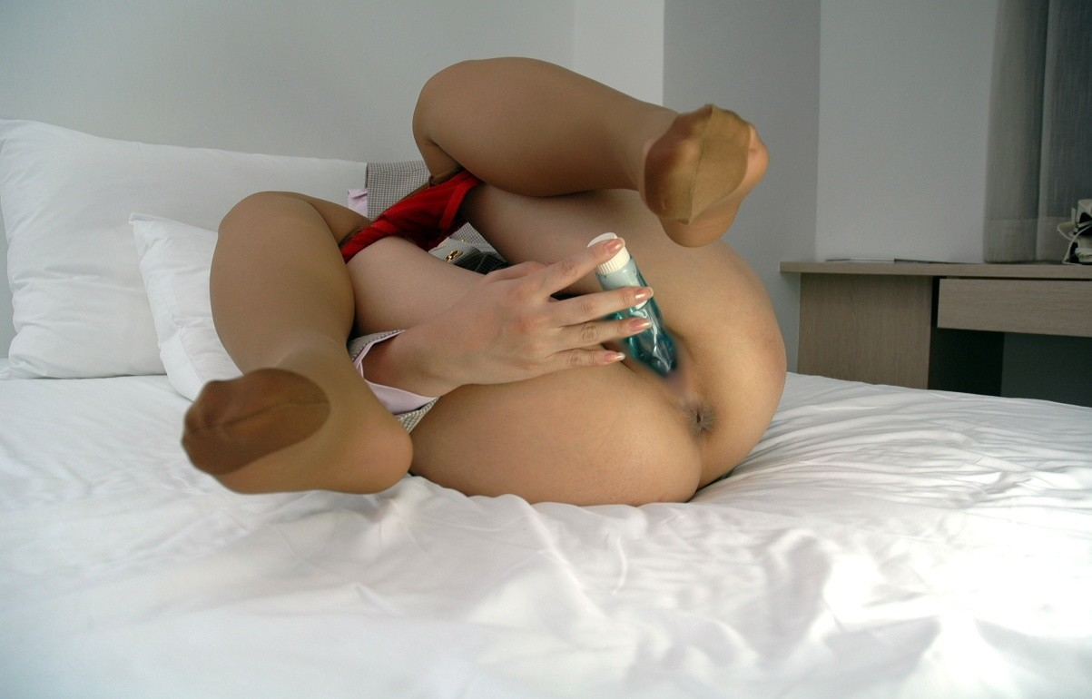 【オナニーエロ画像】1人の時はコレでガス抜き…女にも必要な自慰の時間!