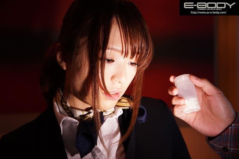 【桃瀬友梨奈エロ画像】パンみたいにもちもちな巨乳に巨尻を誇る美女・桃瀬友梨奈!