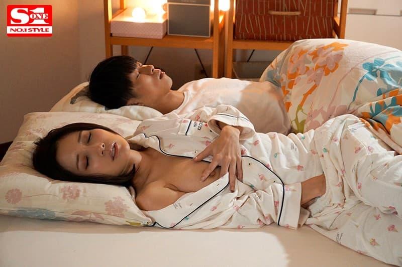 【小島みなみエロ画像】敏感スリムボディを誇る貫禄のベテラン・小島みなみ!