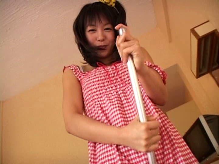 【七海ななエロ画像】引退後も多岐に渡って活躍する永遠の美少女・七海なな!