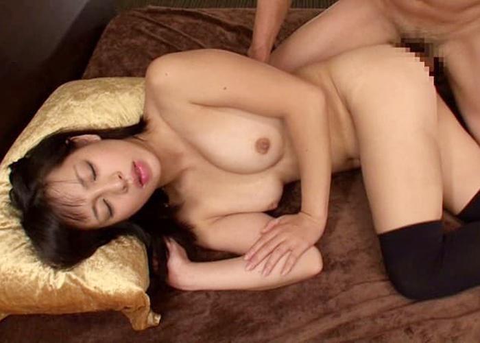 性行為大好きな美少女・瀬乃ゆいかのエロ画像