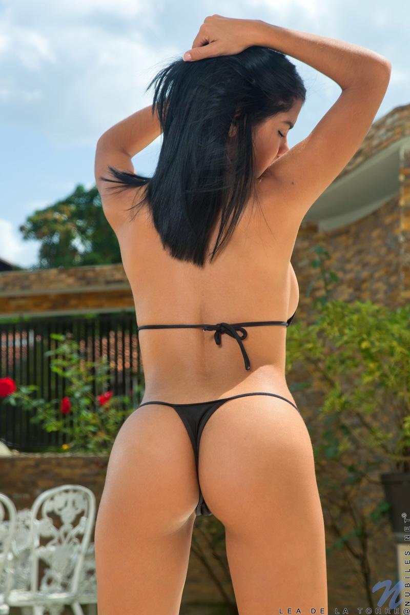 【海外エロ画像】情熱がたっぷり含まれているラテン系美女の美尻!