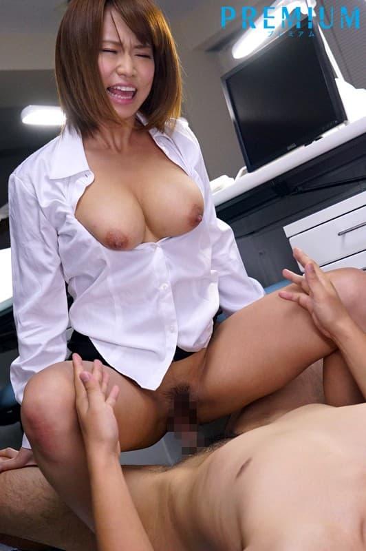 【岡沢リナエロ画像】顔に似合わぬHカップ美巨乳ボディを持つ美少女・岡沢リナ!