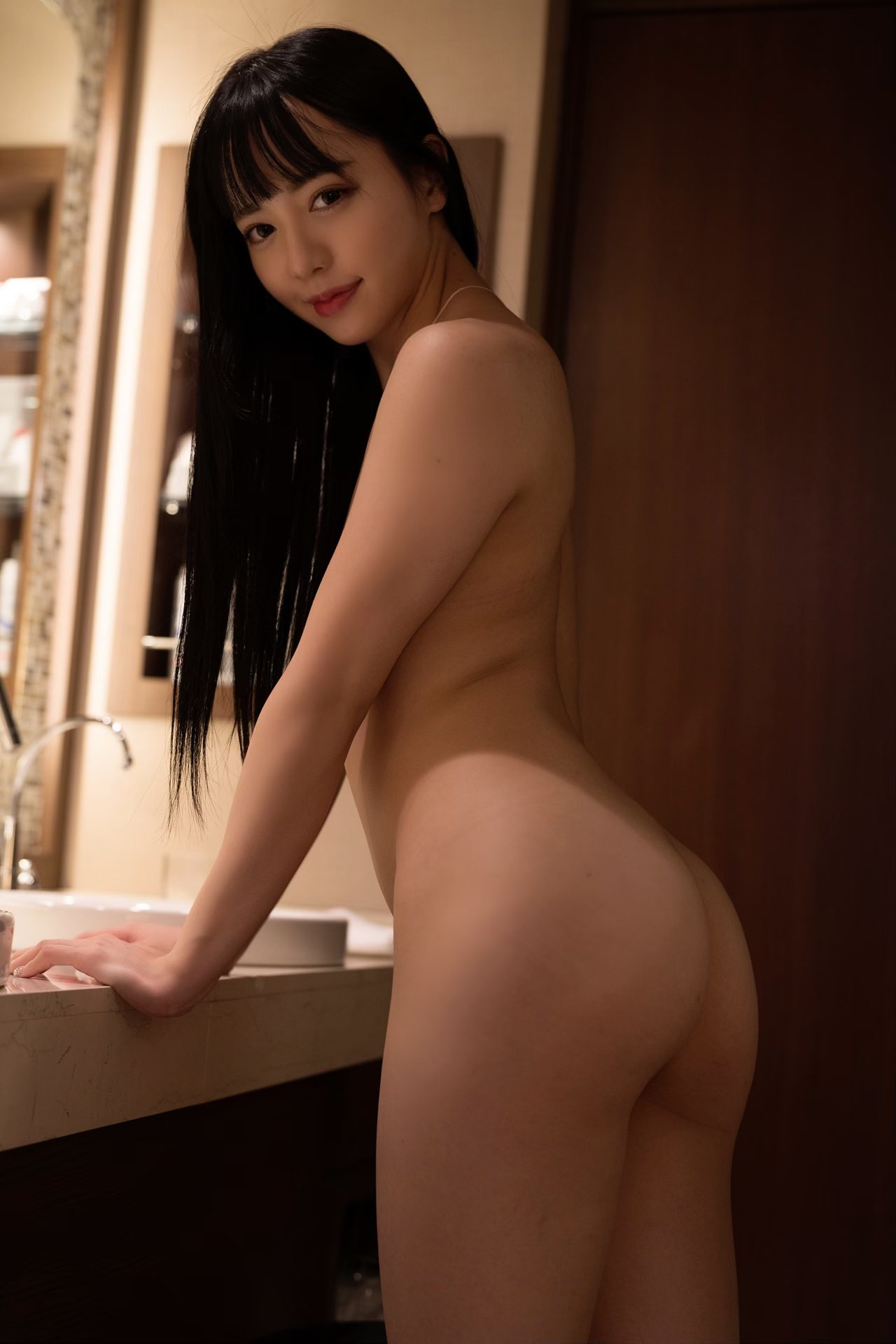 【朝日しずくエロ画像】元アイドルで貧乳&薄毛股間な美少女・朝日しずく!