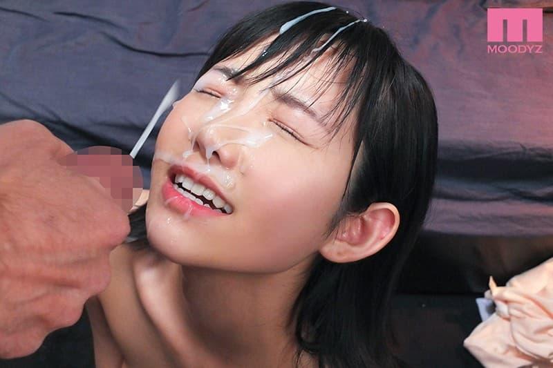 【白坂有以エロ画像】貧乳っぽい顔だけど実は美乳な現役JD・白坂有以!