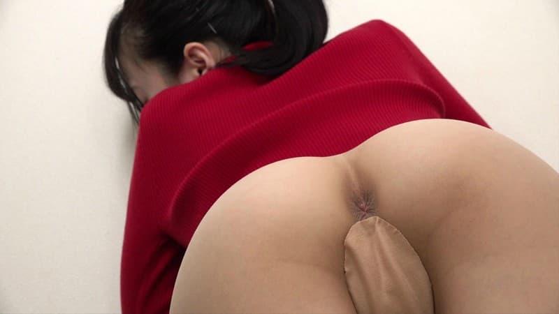 【アナルエロ画像】実はもっと開いてしまうかも…可能性秘めた女の尻穴!