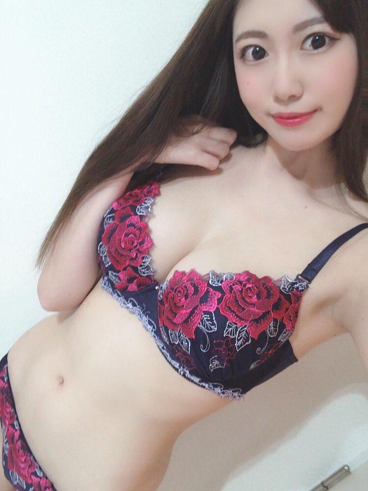 【花宮あむエロ画像】イキっぷりが凄まじい長身美巨乳美女・花宮あむ!