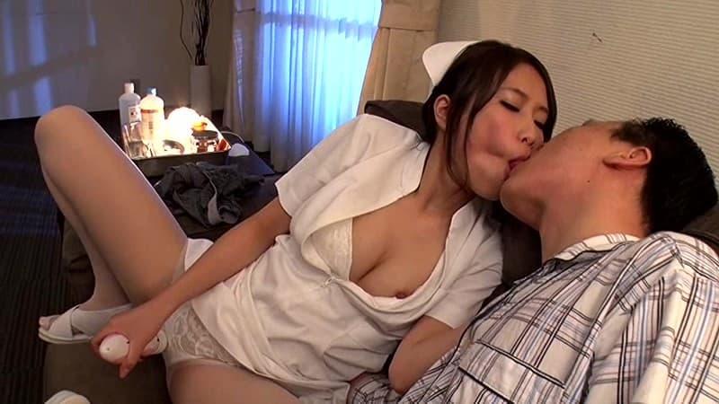 【戸田エミリエロ画像】スレンダーパイパンな元司書・戸田エミリ!