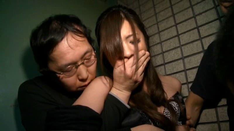 【咲田うららエロ画像】関西弁も萌え要素な長身美脚美少女・咲田うらら!