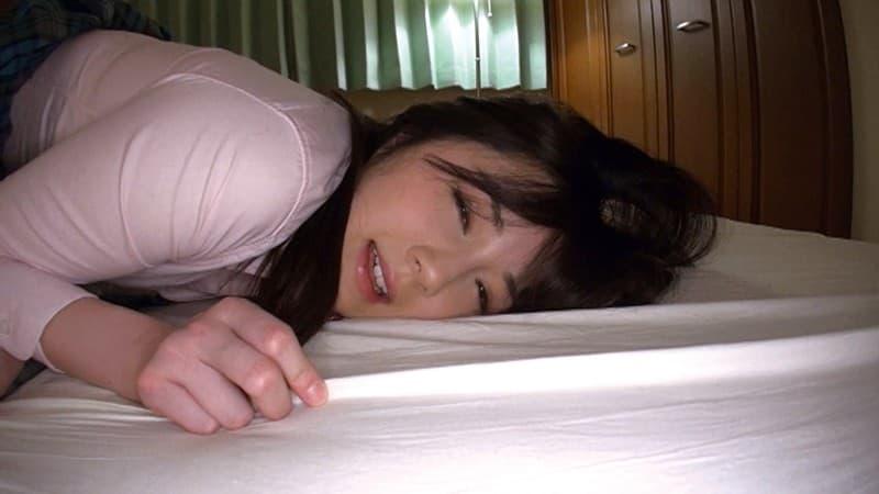 【鈴原エミリエロ画像】最上級の可愛さと美巨尻を併せ持った美少女・鈴原エミリ!