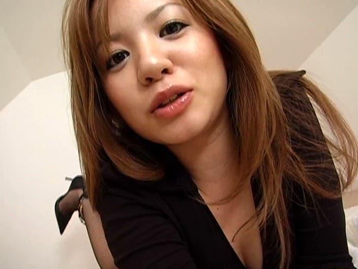 【七瀬ゆうりエロ画像】長舌でのフェラが得意なムチムチ巨乳ギャル・七瀬ゆうり!