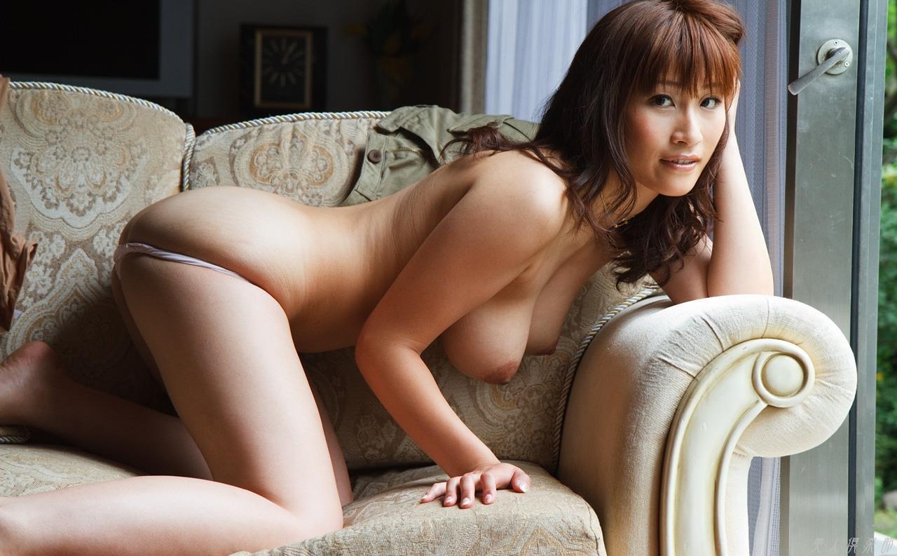 【二階堂ソフィアエロ画像】ハイスペック長身爆乳ハーフ美女・二階堂ソフィア!