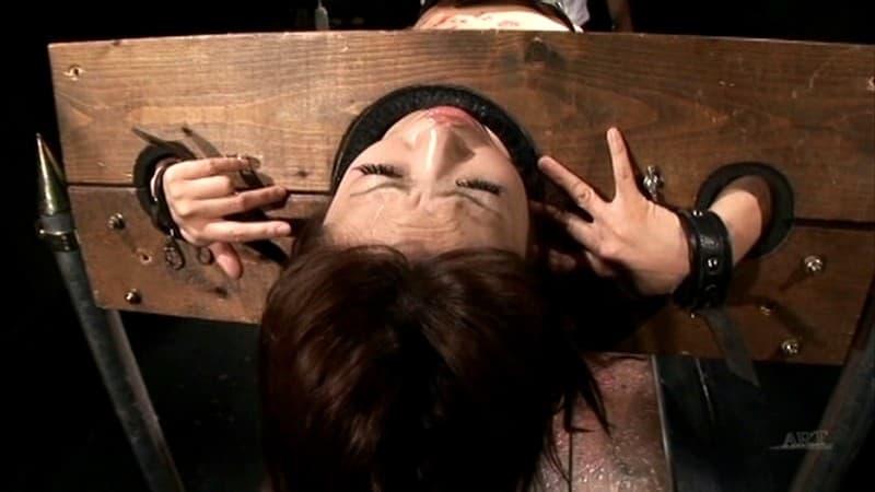 【真咲南朋エロ画像】レズと痴女スキル最高級な日本一の女流監督・真咲南朋!