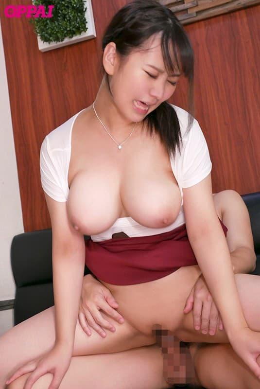 【神坂朋子エロ画像】超特盛サイズなIカップがたまらん新人・神坂朋子!