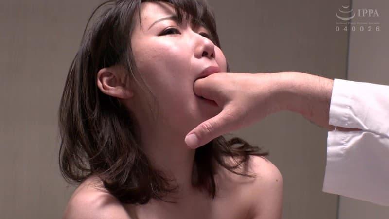 【涼花くるみエロ画像】18歳で夢を叶えた期待の変態美少女・涼花くるみ!