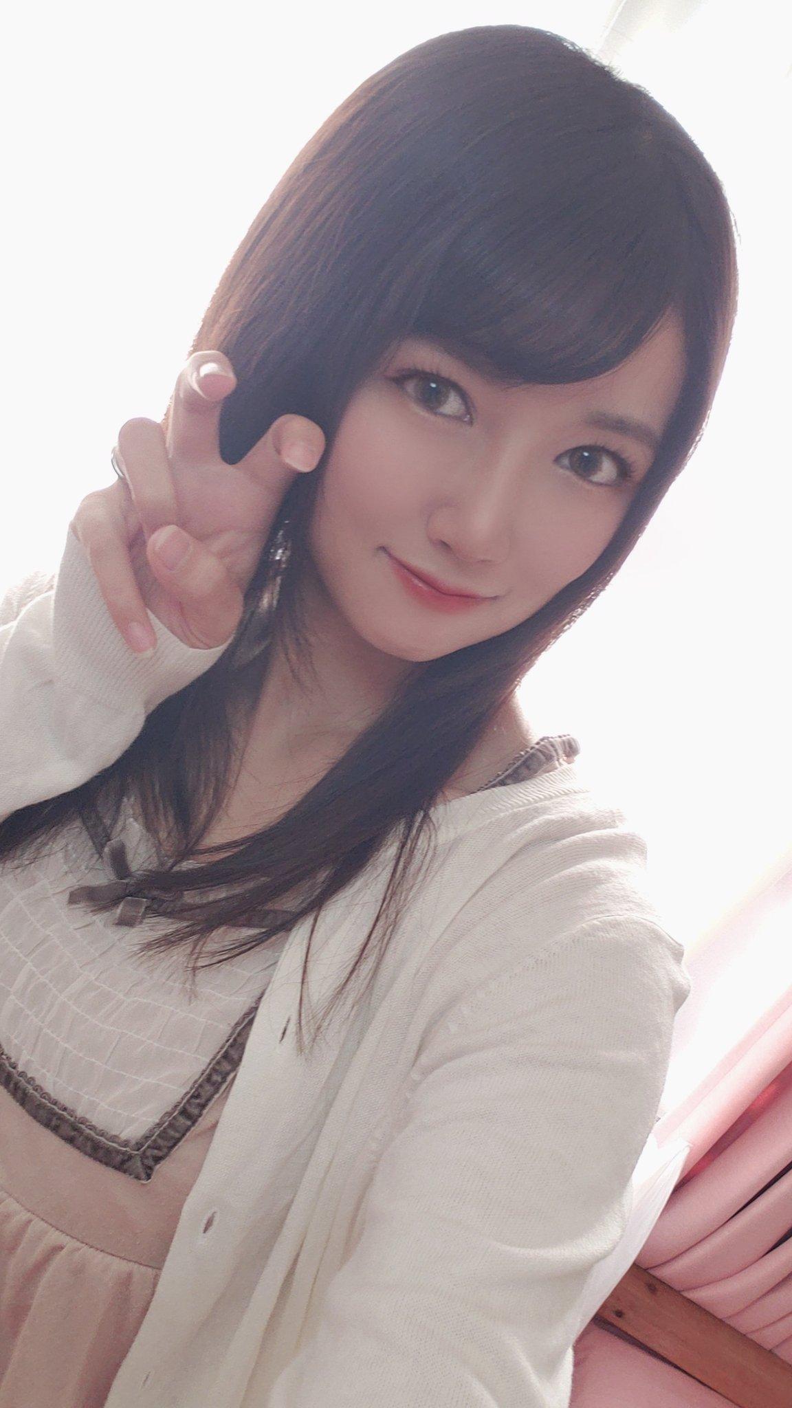 【詩音乃らんエロ画像】とても細くてHカップ美巨乳持ちJD・詩音乃らん!