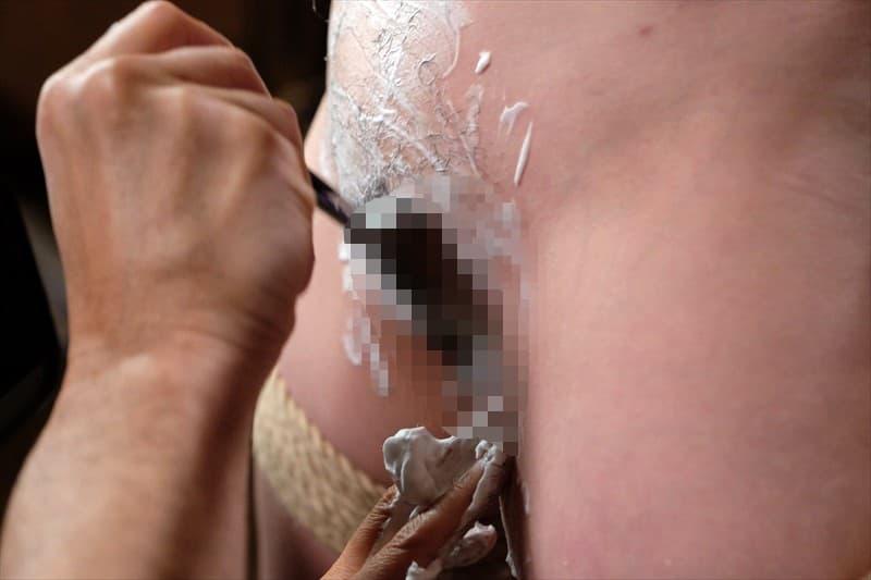 【剃毛エロ画像】もうじきアソコがツルツルに…陰毛剃られた淑女たち!