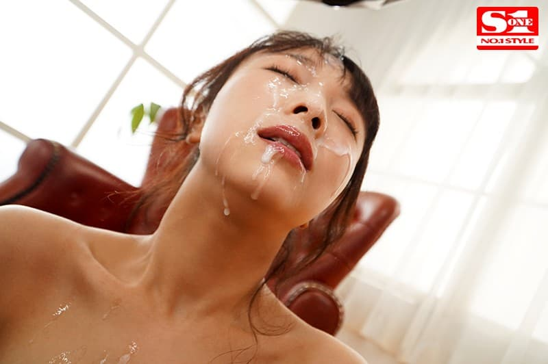 【天音まひなエロ画像】ドラマティックな美爆乳を持つミニマム美少女・天音まひな!