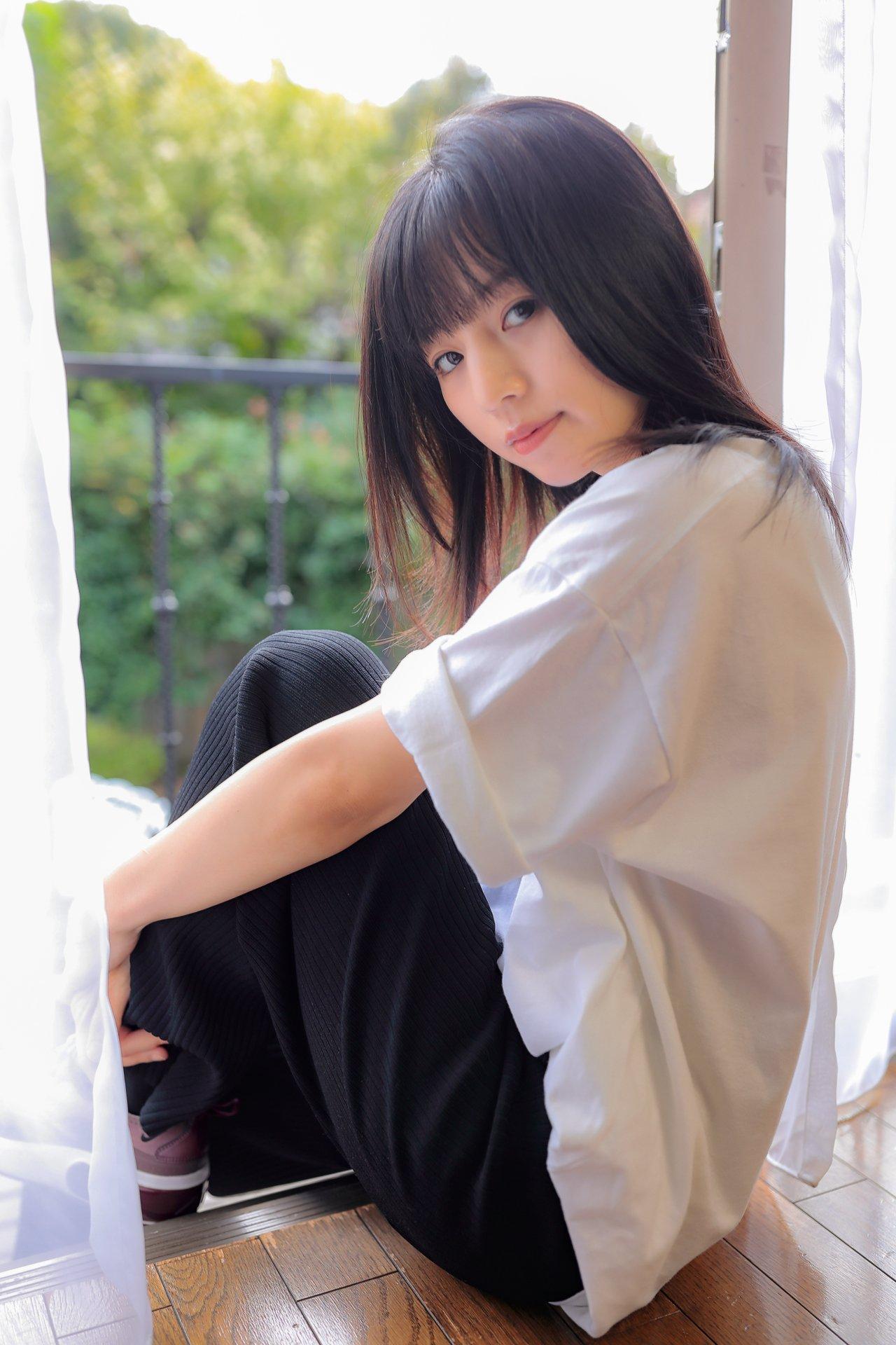 【宮野瞳エロ画像】今はヌードのみで活動中な永遠の美少女系・宮野瞳!