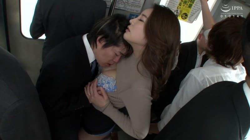 【瀬崎彩音エロ画像】三十路到達を機会にAVデビューした巨乳美女・瀬崎彩音!