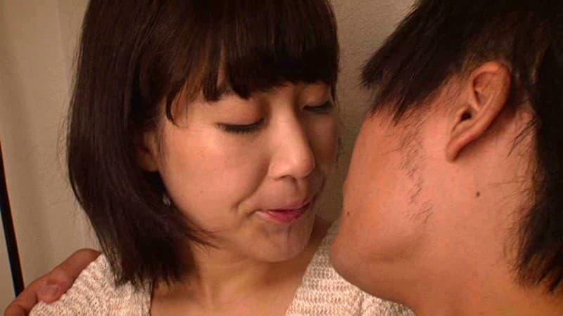 【あゆみ翼エロ画像】もう経験人数1人ではない素人系スケベ娘・あゆみ翼!