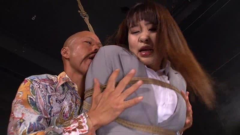 【宇野ゆかりエロ画像】丈夫なアナルをお持ちなムチムチ変態ちゃん・宇野ゆかり!