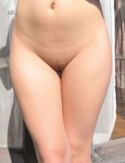 【股間エロ画像】今なら処理に理由は不要?浸透しつつある女のパイパン股間!