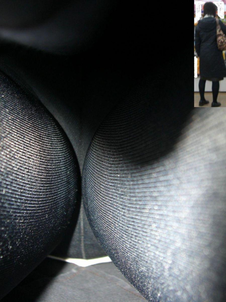 【パンチラエロ画像】気が悪いほど丸見えな逆さ撮りで暴かれたパンチラ淑女たち!