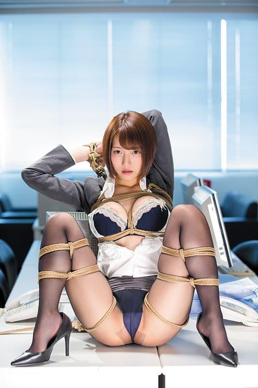 【葉山夏菜エロ画像】お椀型美巨乳がたまらないスレンダー美女・葉山夏菜!