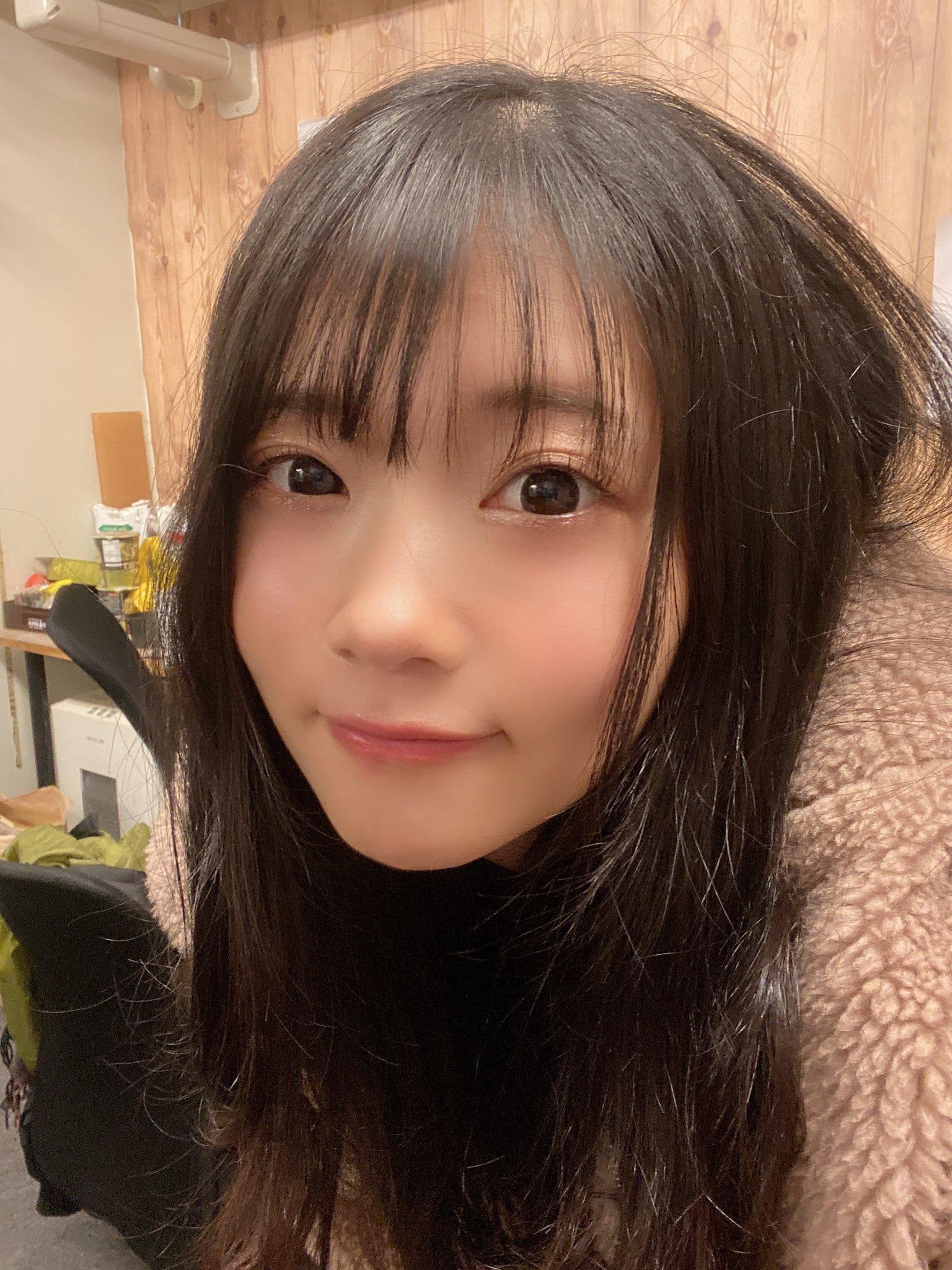 【二葉エマエロ画像】小柄ながらも美乳で巨尻な超カワ娘・二葉エマ!