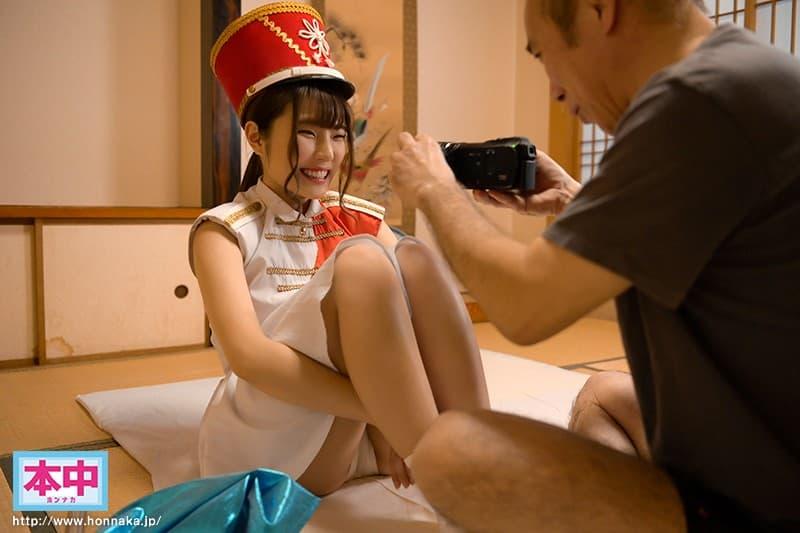【仲沢ももかエロ画像】おじさん受けする優しくてムチムチなパイパン美少女・仲沢ももか!