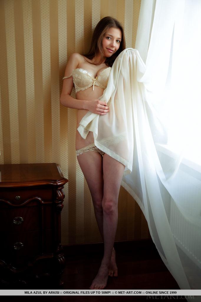【下着エロ画像】絶品スタイル海外美女達とセクシーランジェリー!
