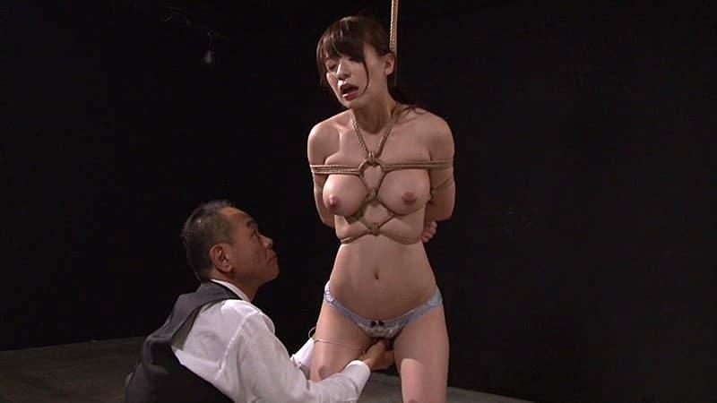 【SMエロ画像】食い込みが性感を強めてくれる…緊縛に魅入られたM女たち!