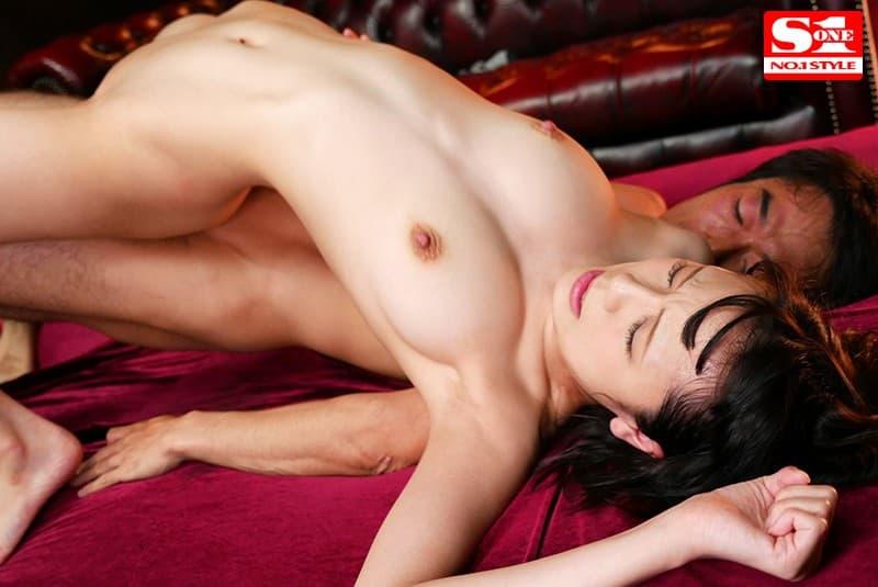 【椿ましろエロ画像】正真正銘の極細くびれを持つ長身美少女・椿ましろ!
