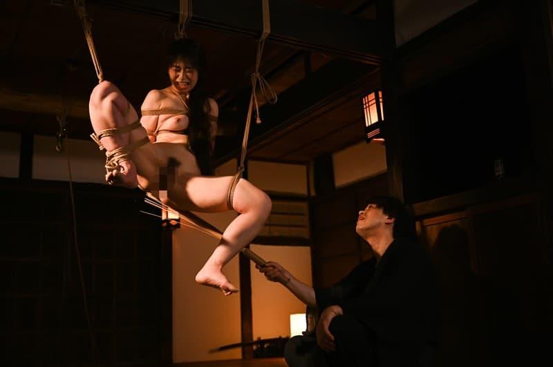 【翼裕香エロ画像】アナルプレイで右に出るものいないアブノーマル美女・翼裕香!