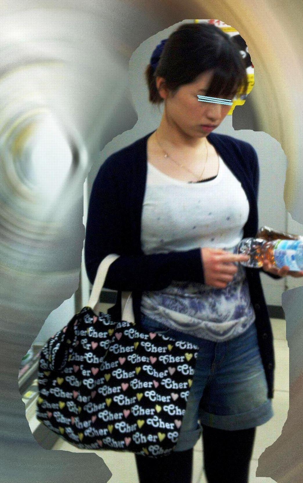 【着胸エロ画像】日本の巨乳率の上昇が事実とわかる街角着衣巨乳撮り!