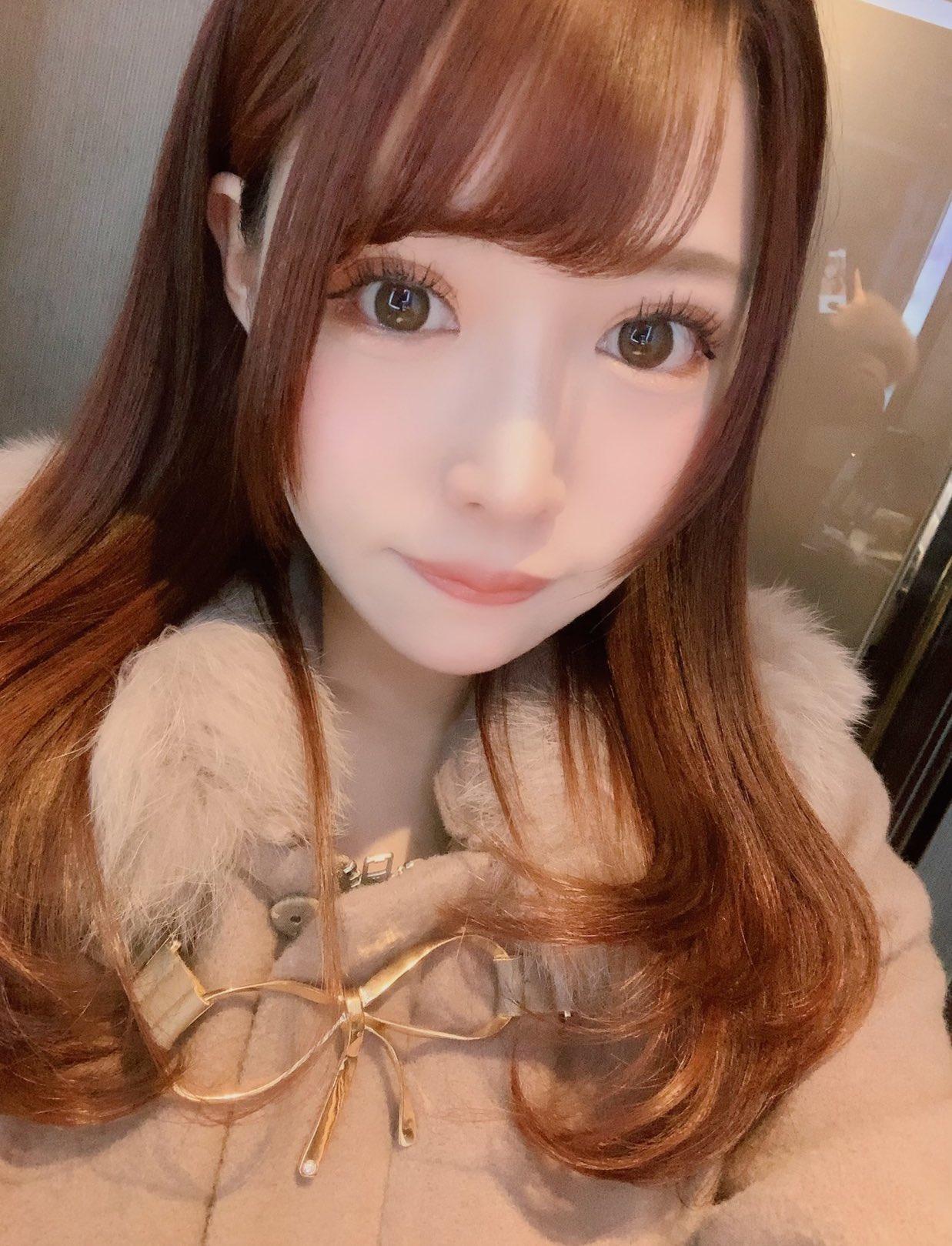 【結まきなエロ画像】清楚系と見せかけて実は経験豊富な美少女・結まきな!