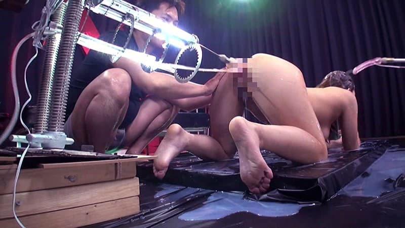 【玩具エロ画像】ぶっ壊れちゃう!?素人には危険過ぎるマシンバイブで股間蹂躙!