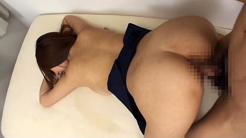 【性交エロ画像】こうして突き出させてから…巨尻に直撃・後輩位FUCK!