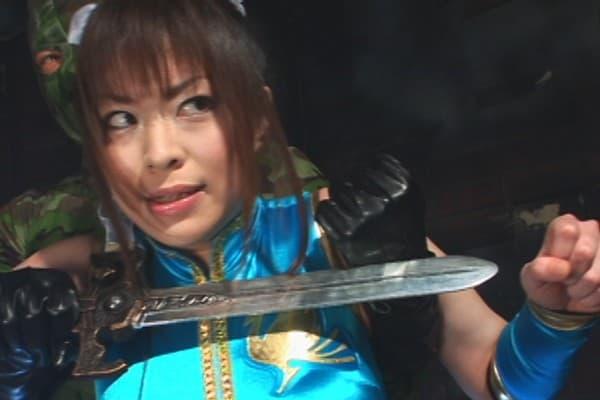 【亜佐倉みんとエロ画像】ムチムチボディの痴女お姉さん・亜佐倉みんと!