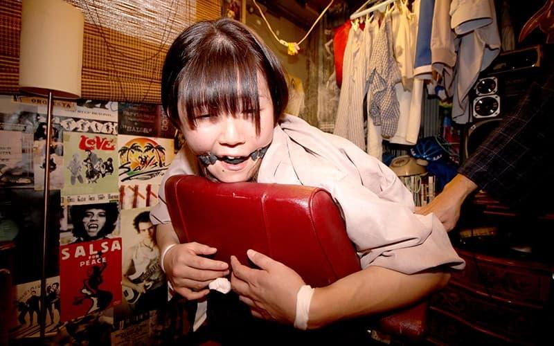 【浅宮ちなつエロ画像】地味だが巨乳で超スケベなお姉さん・浅宮ちなつ!