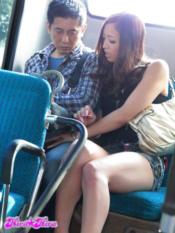 【有森涼エロ画像】本性はとてもスケベな元アイドルの巨乳美女・有森涼!