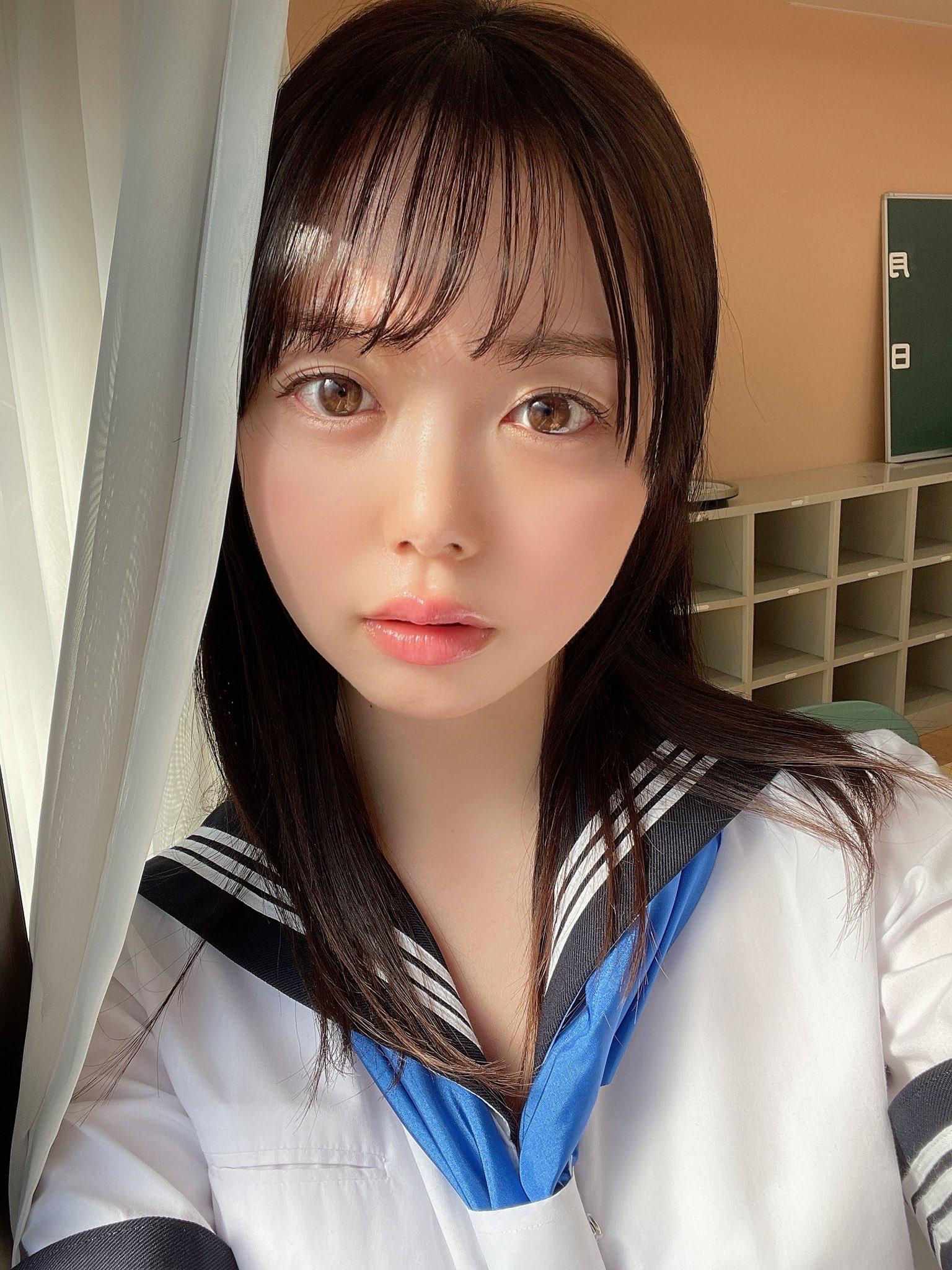 【百瀬あすかエロ画像】たくさんエッチしたい今時の美少女JD・百瀬あすか!