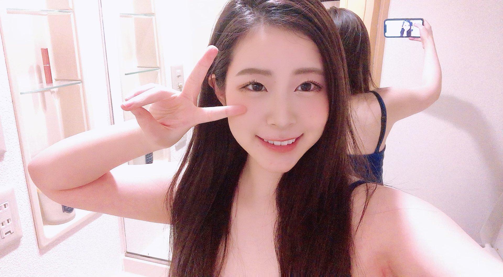 【沙月恵奈エロ画像】人懐っこくてとてもエッチなムチムチJD・沙月恵奈!