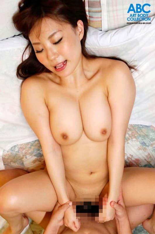 【日向あいりエロ画像】質高いGカップ美巨乳に巨尻も持つ美女・日向あいり!