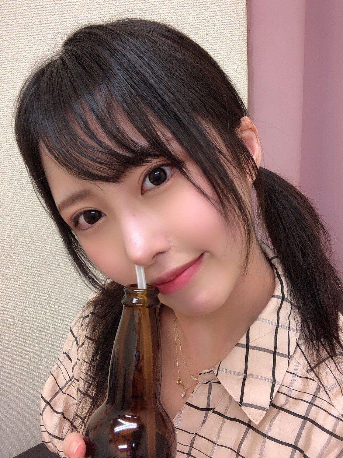 【山口葉瑠エロ画像】美脚が特に輝かしい長身スリム美女・山口葉瑠!